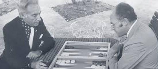 Льюис Дэюн справа на фото